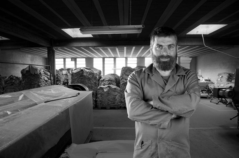 Tannerie Alric teinture cuir artisan millau